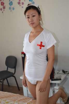 良家少妇的骚护士装