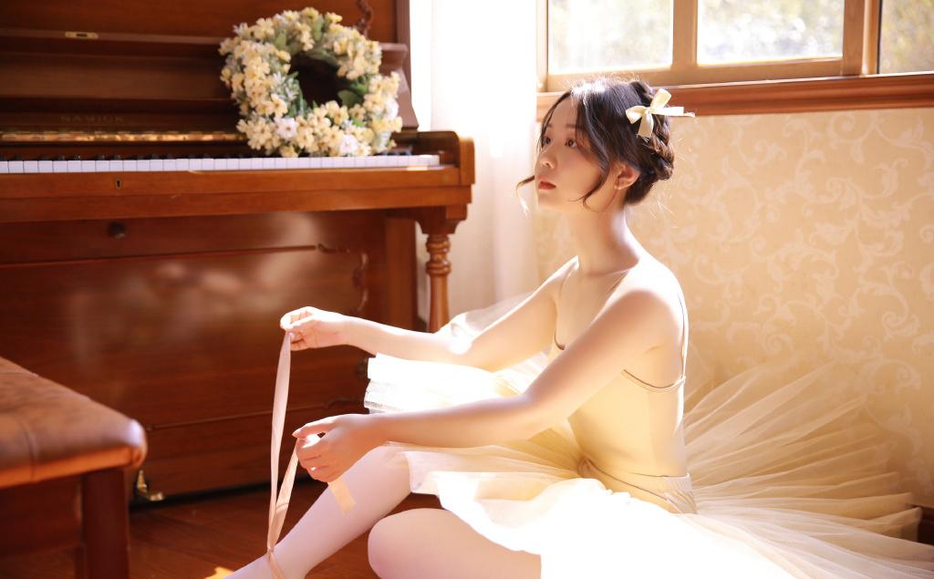 美女旗袍高跟肉丝荟萃