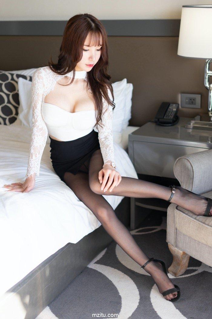 上身丰满下身紧致,风骚女人周于希完美身材勾人欲火