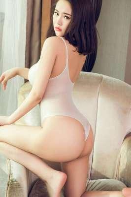 性感妹子桃美洋子巨乳肥臀风情万种