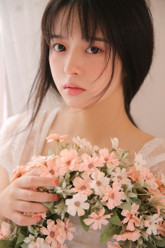 写真青春少女的气息如花般灿烂