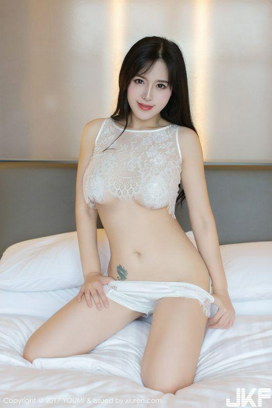 女神刘钰儿浴缸里薄如轻纱透视内衣秀浑圆豪乳撩人诱惑写真